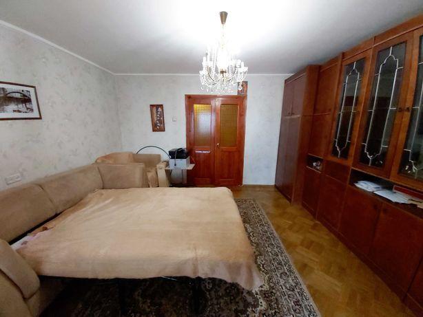 трехкомнатная квартира на Черемушках, ост. Приват Банк