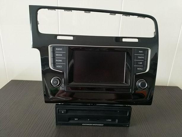 VW Discovery Média 6,5 com NAV + Ecrã + moldura