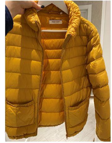 Куртка NAF NAF желто-горчичного цвета 38 р.