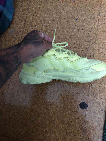 Adidas ozweego frozen 40
