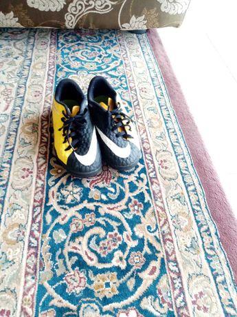 футзалки 32 размер Nike