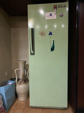Холодильник б/у в робочому стані