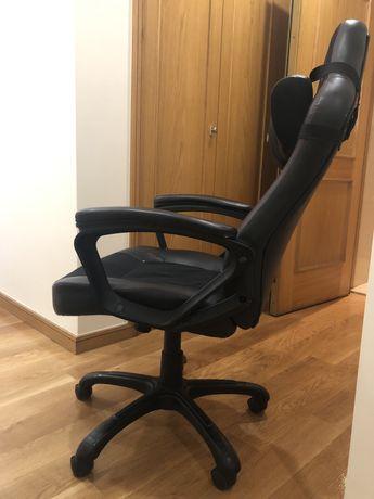 Vendo Cadeira gaming