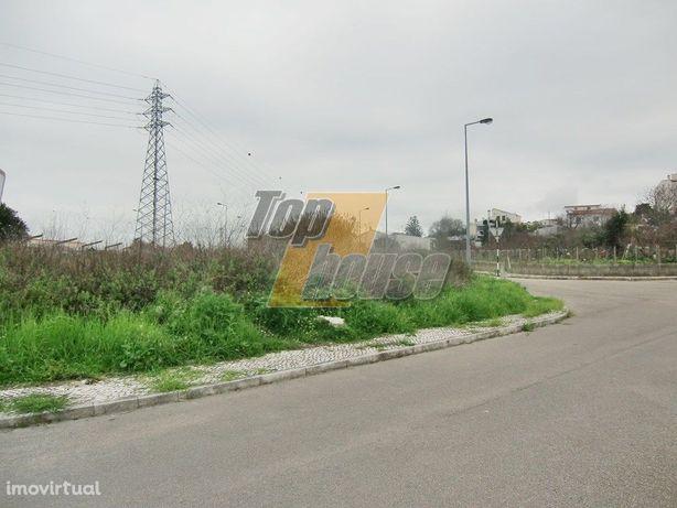 Terreno urbano com 359 m2 - POSSIBILIDADE DE CONSTRUÇÃO C...