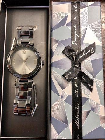 Часы от kenzo.подарочная упаковка