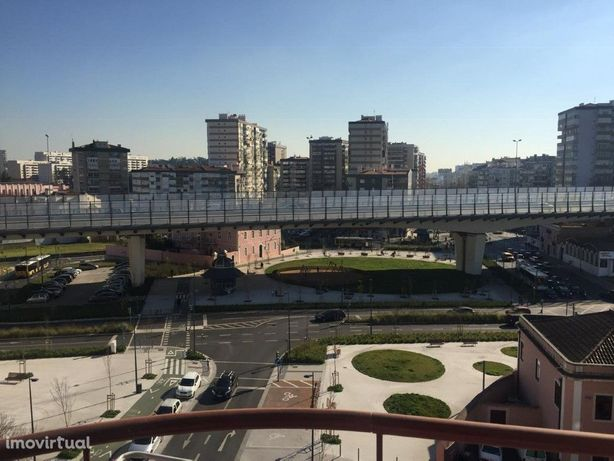 LISBOA: Arrendamento - T3 no centro do LUMIAR, € 1.330/ M...