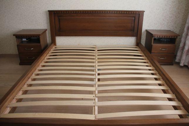 Спальня з натурального дерева