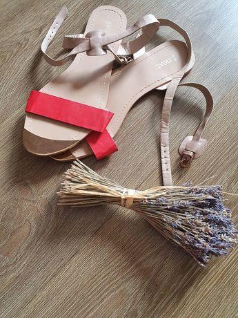 Sandały next (beżowo- czerwone)