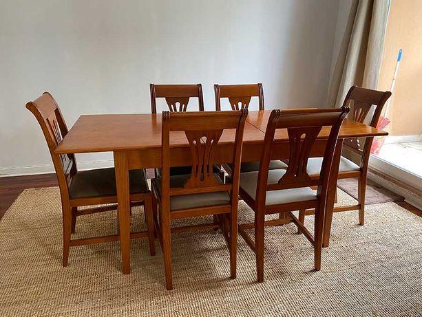 Conjunto de Mesa e 6 Cadeiras - Madeira de Cerejeira