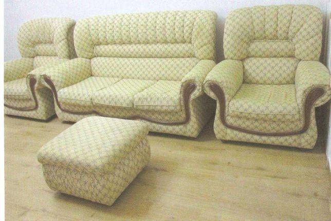 Conjunto de sofá-cama com 2 maples e 1 puf como novo