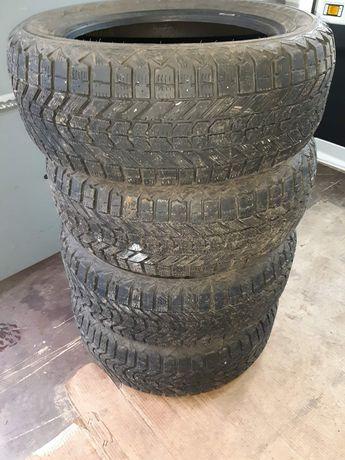 Продаю шини зимові Firenstone 225,55,17