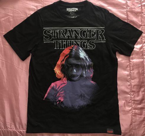 t shirt / camisola stranger things da pull and bear tamanho XS