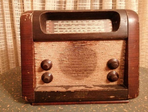 rádio muito antigo