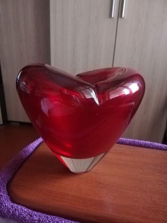 Продам вазу в виде сердца
