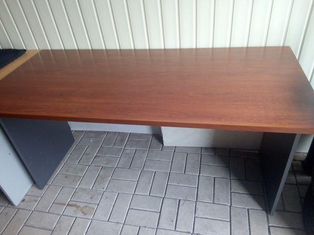 Продам столы и тумбу