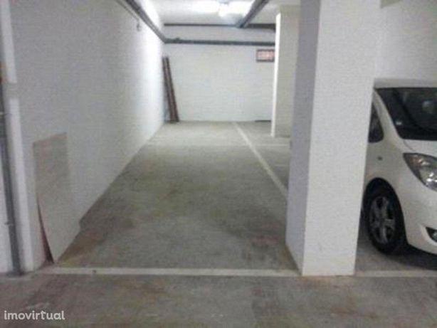 Novidade - Garagem 28m2 - Imóvel de Banco