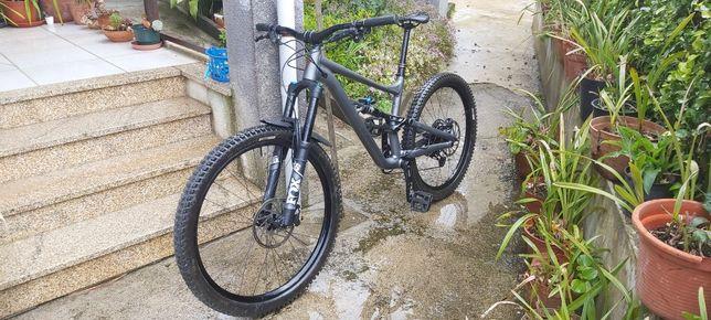 Bicicleta Specialized status 2021