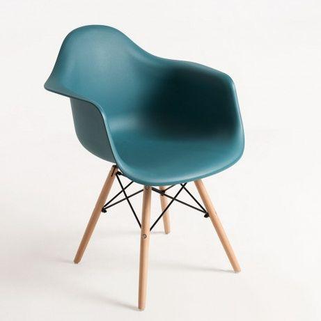 Cadeiras nórdicas da Eames