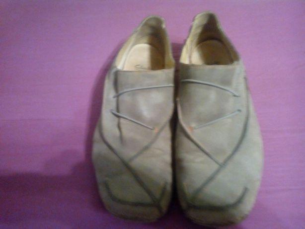 Мягкие английские туфли фирмы clarks р. 41