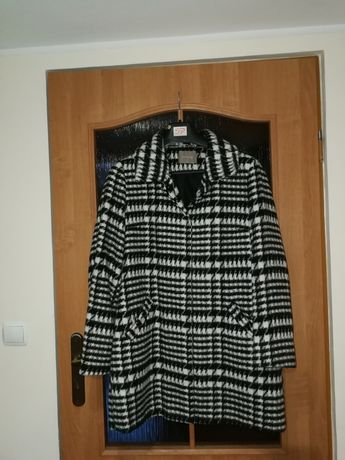 Płaszcz damski orsay 44