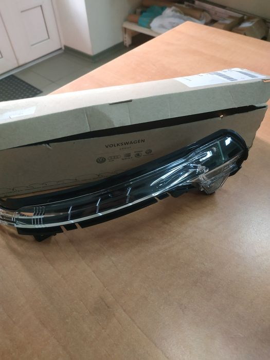 Повторитель указателя поворота Audi A6 4g5949101 Запорожье - изображение 1