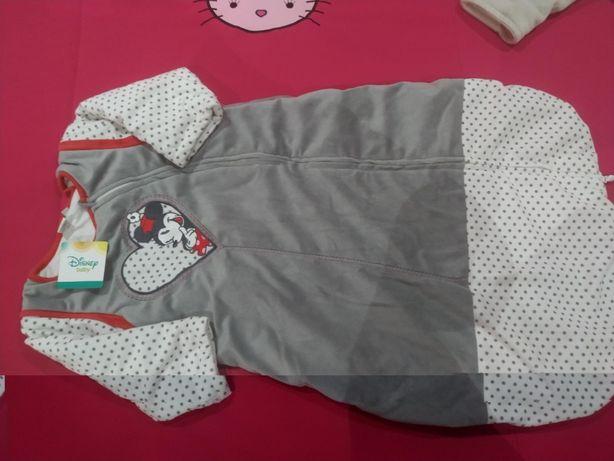Saco de bebé acolchoado com mangas
