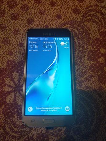 Мобильный телефон Samsung Galaxy J3 2016 J320H/DS Gold