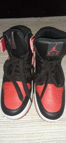 Tênis masculino n 35 Air Jordan,original,novo.