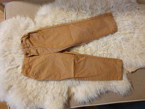 Musztardowe spodnie reserved r. 86