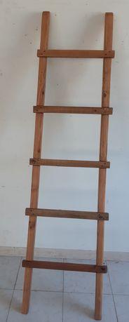 Escada / Toalheiro, peça Decorativa ou Utilitária. RESTAURADA!