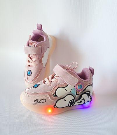 Светящиеся кроссовки, кроссовки мигалки