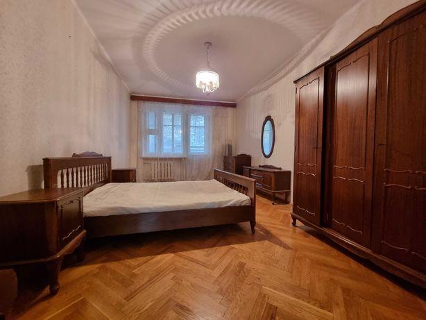 3-х комнатная, ул. Шелковичная, Липки