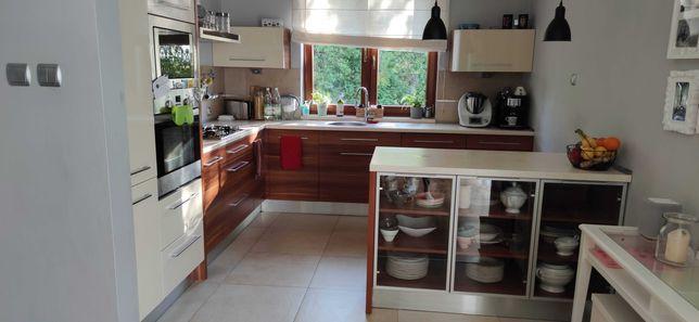 Meble kuchenne z AGD, zlewem, baterią. Fajna kuchnia