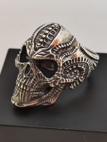 Серебряное кольцо череп