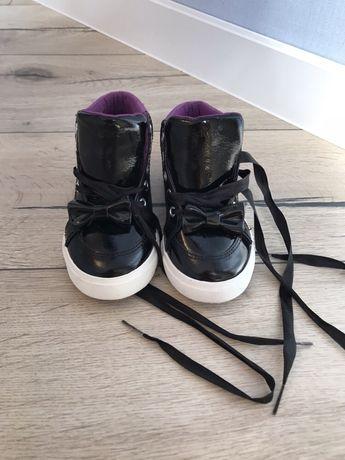 Кроссовки кеды крутого британского бренда kickers