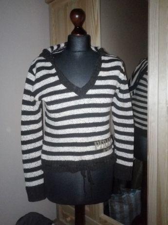 Sweter z kapturem w poziome pasy M/L