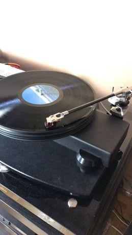 Gramofon Nottingham Horizon