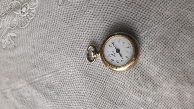Zegarek damski pozłacany