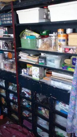 Móveis para arrumação em garagem de habitação / arrecadação