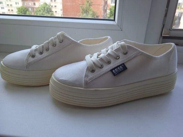 Нові білі кеди, кросівки для дівчини 36р 37р (22,5 см) FREE &FUN. Кеды