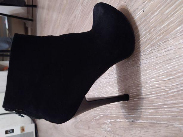 Ботинки на каблуке натуральная замша 36 размер