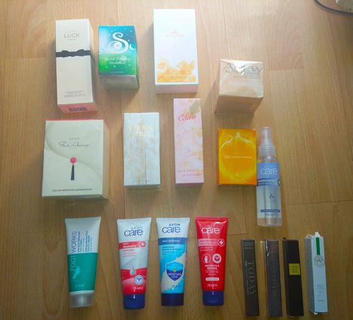 Zestaw damskich kosmetyków Avon