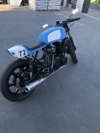 Yamaha cafe racer xs750