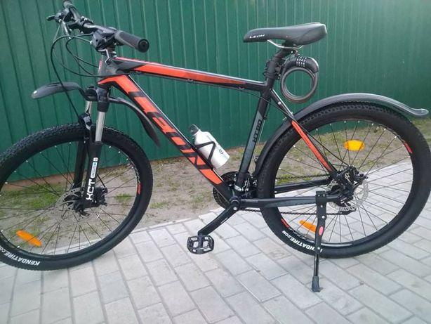 Продам велосипед леон в отличном состоянии 26колеса.