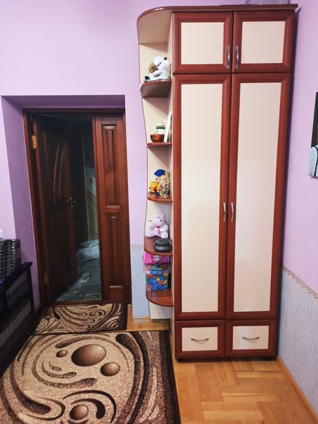 Шкаф в гостиную прихожую
