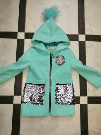 Пальто для дівчинки...