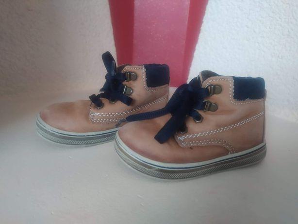 Oddam buty dziecięce r. 20