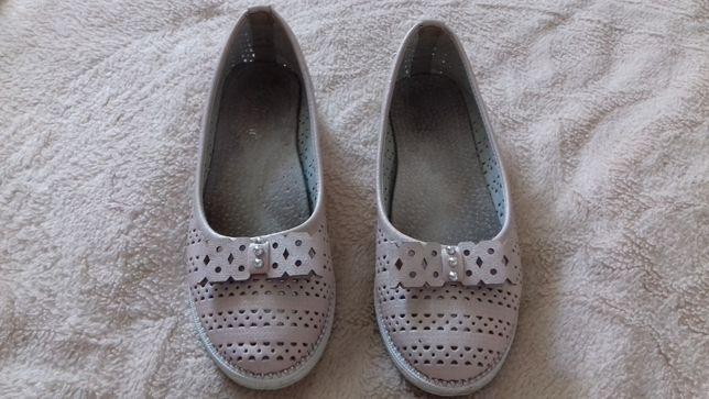 Туфлі для дівчаток 32 р.