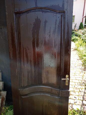 Двері з робочими замками без лудки
