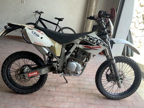 Ajp pr4 125cc